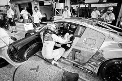 Pitstop oefening #21 Hitotsuyama Racing Audi R8 LMS: Cyndie Allemann, Akihiro Tsuzuki