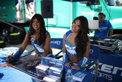 Lovely Falken girls