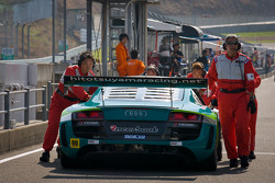 #99 Hitotsuyama Racing Audi R8 LMS: Michael Kim, Hideto Yasuoka