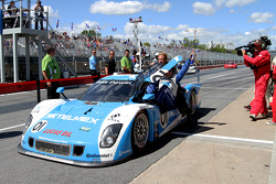 Race winner #01 Chip Ganassi Racing With Felix Sabates BMW Riley: Scott Pruett, Memo Rojas