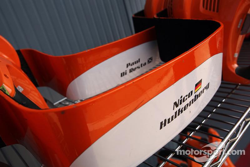 Hoofdsteun Nico Hulkenberg, Sahara Force India F1 en Paul di Resta, Sahara Force India F1