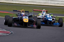 Carlos Sainz Jr. overtakes Jack Harvey