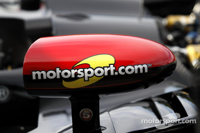 Motorsport.com on Level 5 Motorsports mirror