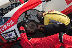 Lukoil team getting ready for race 2