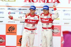 GT500 podium: winners Masataka Yanagida, Ronnie Quintarelli