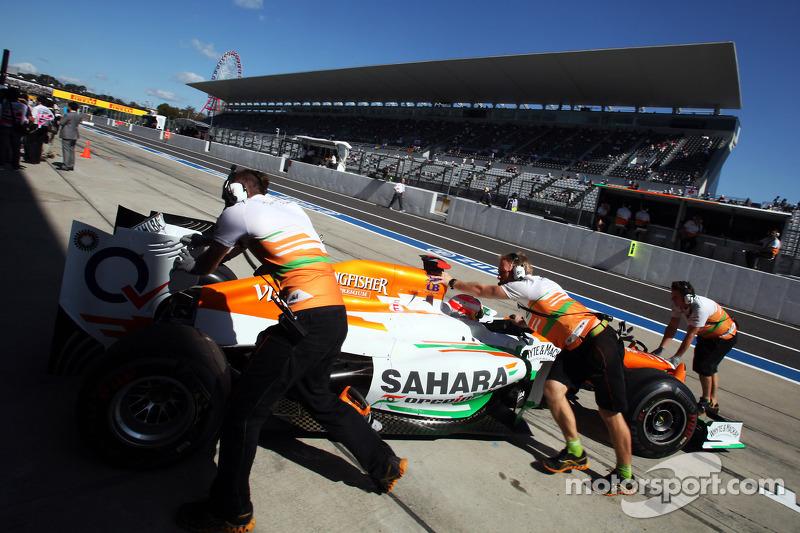 Paul di Resta, Sahara Force India VJM05 in the pits