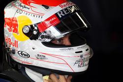 Sebastian Vettel, Red Bull Racing with Japanese themed helmet