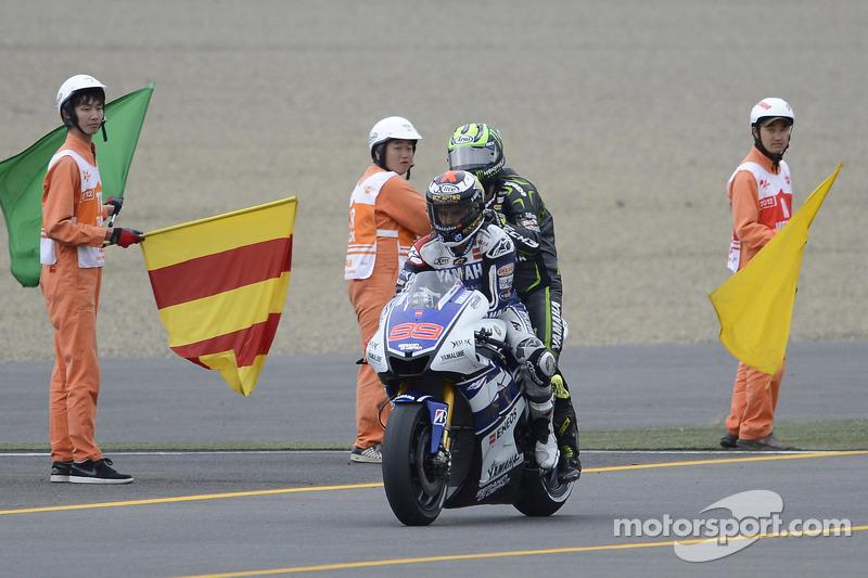 Jorge Lorenzo, Yamaha Factory Racing geeft lift aan Cal Crutchlow, Yamaha Tech 3