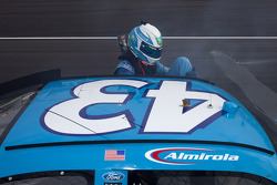 Trouble for Aric Almirola, Richard Petty Motorsports Ford