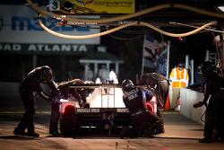 Pitstop #6 Muscle Milk Pickett Racing HPD ARX-03a Honda: Lucas Luhr, Klaus Graf, Romain Dumas