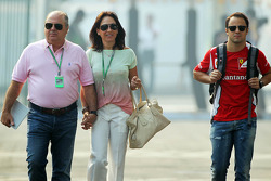 Felipe Massa, Ferrari with his mother and father, Luiz Antonio Massa, and Ana Elena Massa