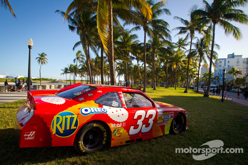 NASCAR Championship Drive in South Beach: Nationwide car of Tony Stewart