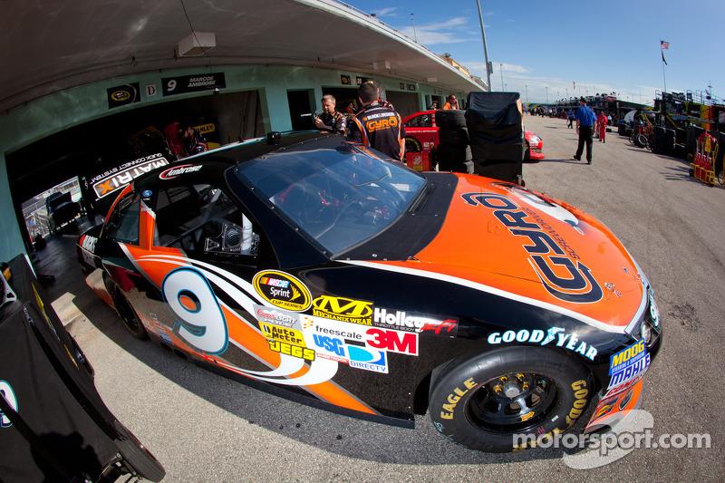 Car of Marcos Ambrose, Richard Petty Motorsports Ford