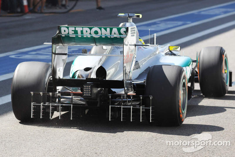 Nico Rosberg, Mercedes AMG F1 running sensor equipment on the rear diffuser