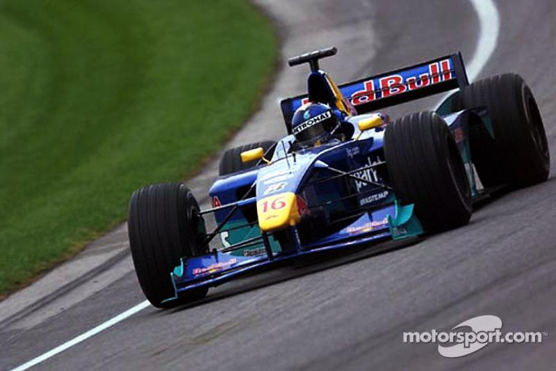 "5. <img src=""https://cdn-0.motorsport.com/static/img/cfp/0/0/0/0/30/s3/brazil-2.jpg"" alt="""" width=""20"" height=""12"" />Pedro Diniz, 98 Grandes Premios (1995-2000), el mejor resultado es el 5° lugar en (Luxemburgo 1997 y Bélgica 1998)."