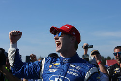 Winner Josef Newgarden, Team Penske Chevrolet celebrates in victory lane
