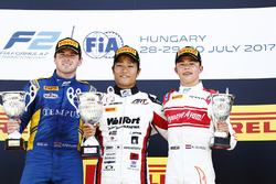 Podium: winner Nobuharu Matsushita, ART Grand Prix, second place Oliver Rowland, DAMS, third place Nyck De Vries, Rapax