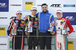 Подіум: переможець Ландо Норріс (Carlin), другий призер Джоел Ерікссон (Motopark), третій призер Максиміліан Гюнтер, (Prema)