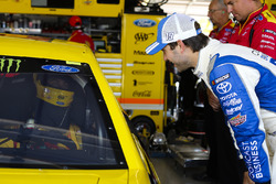 Joey Logano, Team Penske Ford and Daniel Suarez, Joe Gibbs Racing Toyota