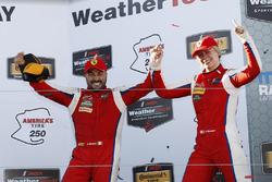 Победители в классе GTD Алессандро Бальцан, Кристина Нильсен, Scuderia Corsa
