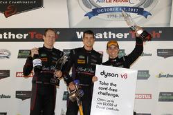 Podio GTD: al terzo posto #73 Patrick Lindsey, Jörg Bergmeister, Matt McMurry