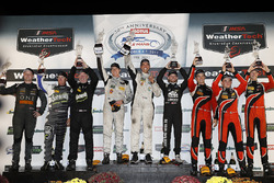 PC podium: winnaars Garett Grist, Tomy Drissi, John Falb, BAR1 Motorsports, tweede plaats Don Yount, Buddy Rice, Daniel Burkett, BAR1 Motorsports, derde plaats James French, Patricio O'Ward, Kyle Masson, Performance Tech Motorsports