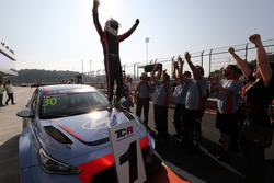 Race winner Gabriele Tarquini, BRC Racing Team, Hyundai i30 N TCR