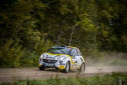 Крис Ингрэм и Росс Уитток, Opel Adam R2
