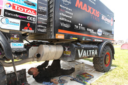 Maxxis Coronel Team support truck
