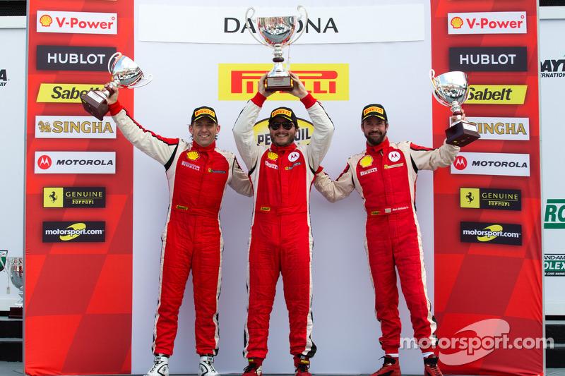 Coppa Shell podium: winner Carlos Kauffmann