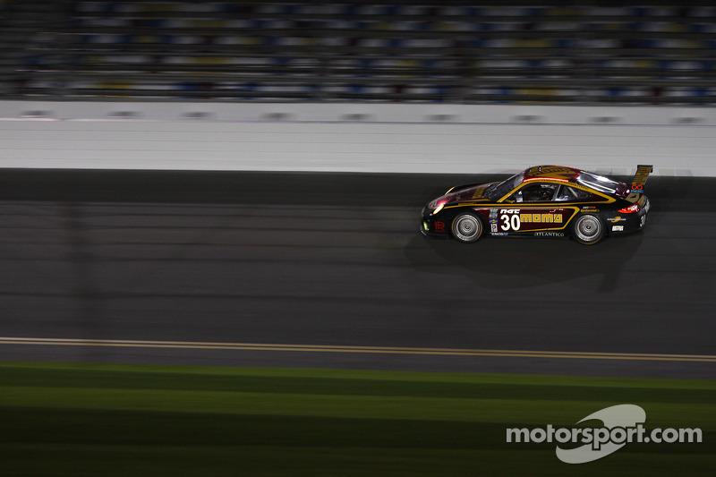 #30 MOMO/NGT Motorsport Porsche GT3: Jakub Giermaziak, Henrique Cisneros, Sean Edwards, Patrick Pilet