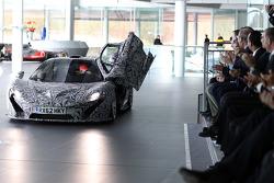 Дженсон Баттон. Презентация McLaren Mercedes MP4-28, Презентация.