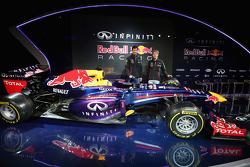 Mark Webber y Sebastian Vettel en la presentación del Red Bull Racing RB9