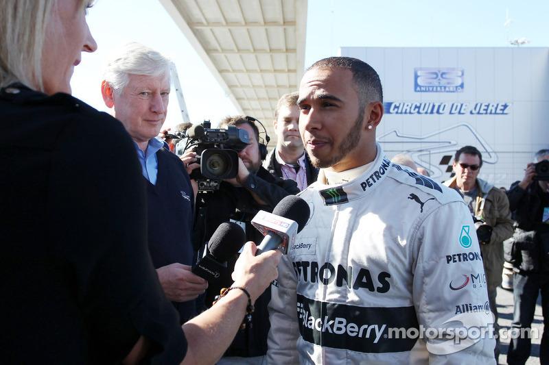 Льюіс Хемілтон, Mercedes AMG F1, спілкується зі ЗМІ