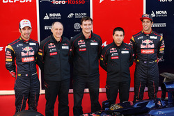 Jean-Eric Vergne, Scuderia Toro Rosso; Franz Tost, Teamchef; James Key, Technischer Direktor; Daniel Ricciardo, Scuderia Toro Rosso