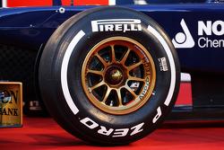Pirelli tyre on the Scuderia Toro Rosso STR8