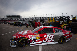 Ryan Newman, Stewart-Haas Racing Chevrolet goes to track after extensive repairs on his car