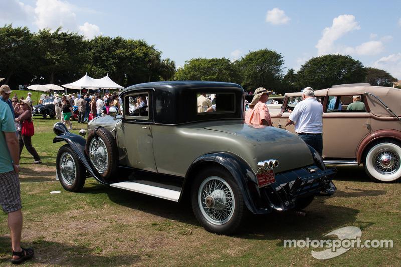 1928 Pierce-Arrow 3 Window Coupe