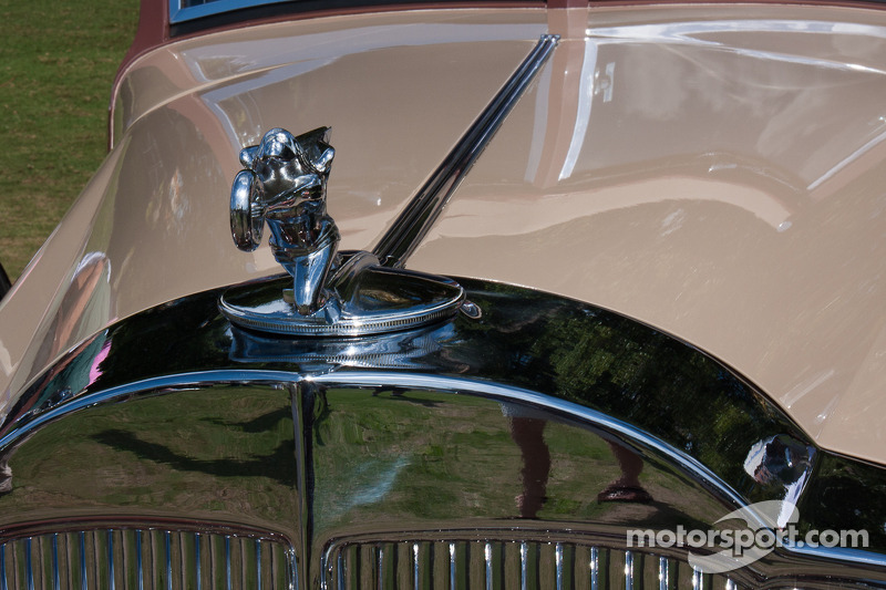 1933 Packard 1006