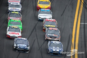 Brad Keselowski, Penske Racing Ford and Jimmie Johnson, Hendrick Motorsports Chevrolet battle for the lead