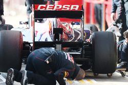 Daniel Ricciardo, Scuderia Toro Rosso STR8 diffuser en achtervleugel