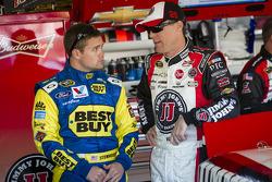 Ricky Stenhouse Jr., Roush Fenway Racing Ford en Kevin Harvick, Richard Childress Racing Chevrolet