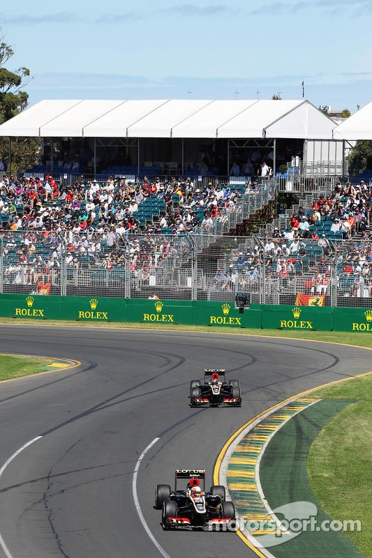 Romain Grosjean, Lotus F1 E21 lidera parceiro Kimi Raikkonen, Lotus F1 E21
