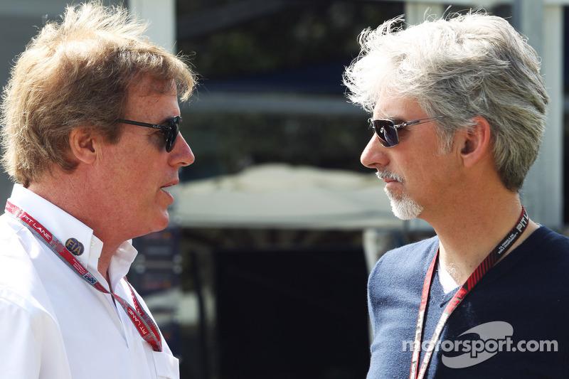 Danny Sullivan, FIA Steward met Damon Hill, Sky Sports-presentator