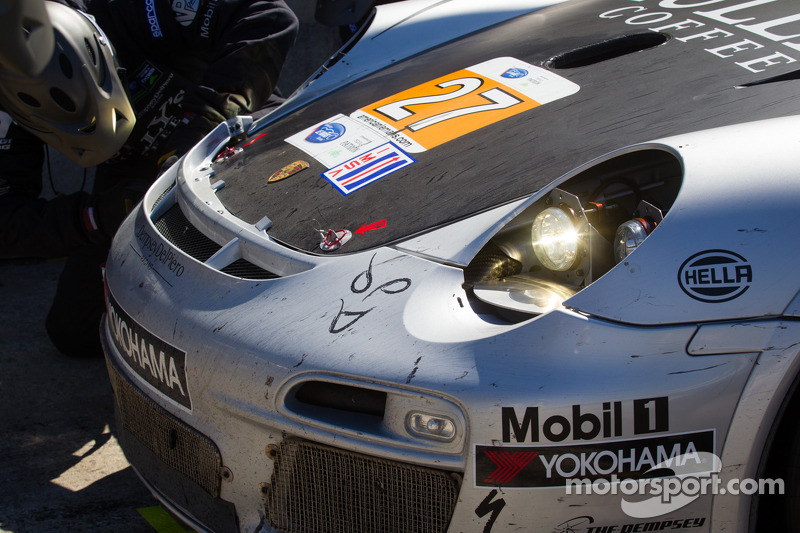 Schade aan de #27 Dempsey Racing Porsche 911 GT3 Cup: Patrick Dempsey, Andy Lally, Joe Foster