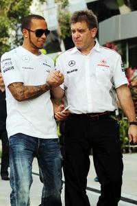 Lewis Hamilton, Mercedes AMG F1 with Dr. Aki Hintsa, McLaren Team Doctor