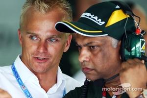 Heikki Kovalainen, with Tony Fernandes, Caterham F1 Team