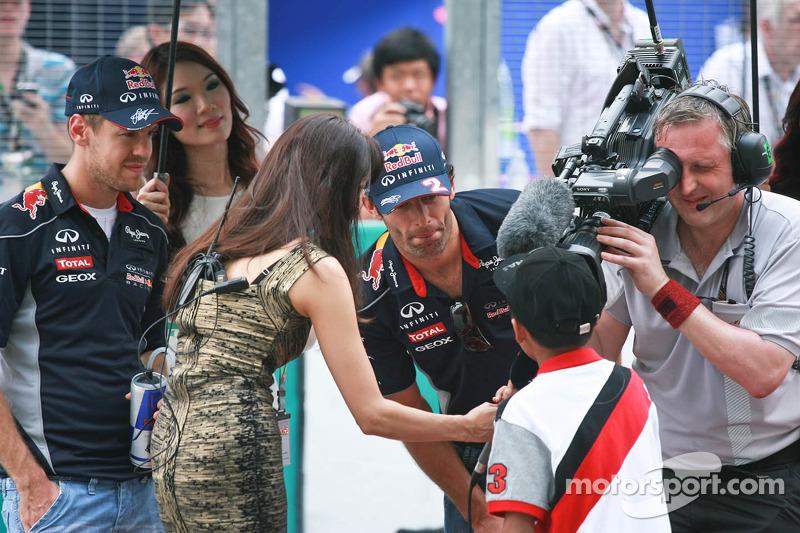 Марк Уэббер и Себастьян Феттель. ГП Малайзии, Воскресенье, перед гонкой.