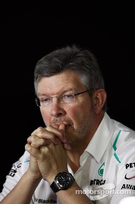 Ross Brawn, chefe da equipe Mercedes AMG F1 na coletiva da FIA
