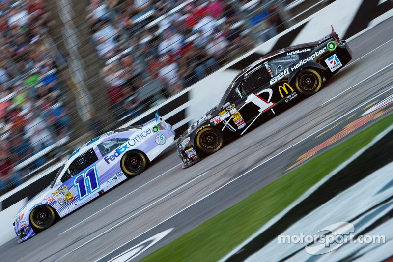 Brian Vickers, Joe Gibbs Racing Toyota en Jamie McMurray, Earnhardt Ganassi Racing Chevrolet